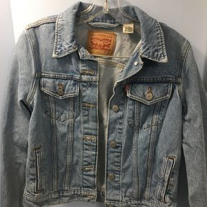 Never Worn Levi's Denim Jacket